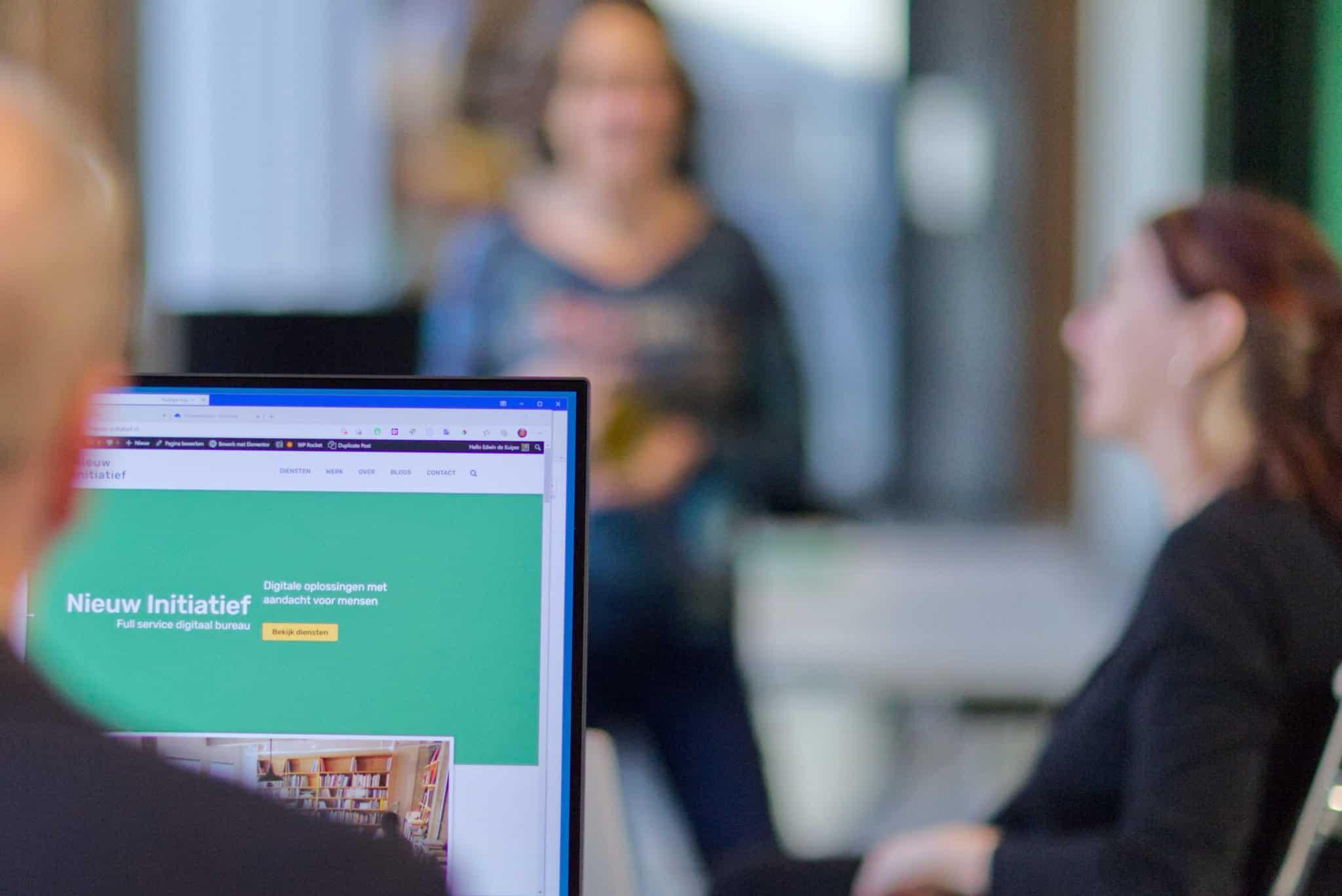 Digitale oplossingen met aandacht voor mensen - Nieuw Initiatief